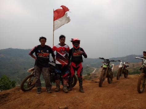 3 Pengembara: Jangan Lelah Mencintai Indonesia