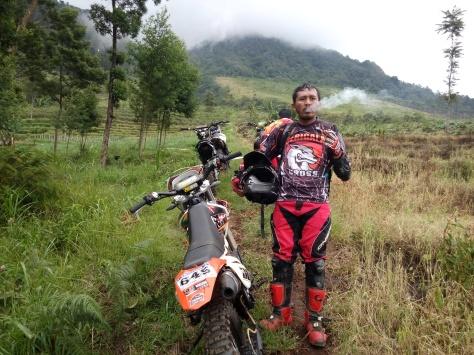 ngobrolmotorcross bersama tunggangan kesayangannya Halftime Show #36 di Sumowono