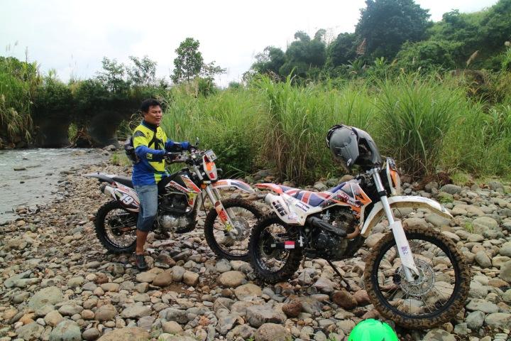 Mr. Timbul saat beristirahat di sungai legendaris Hambalang