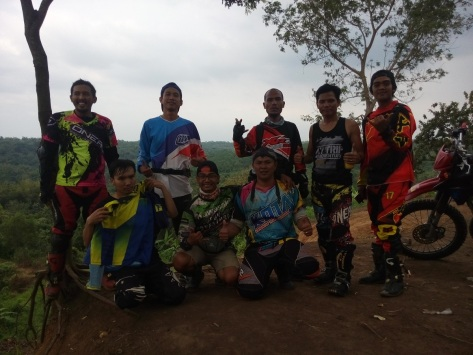 Formasi Lengkap Ngobrolmotorcross, Serigala Cross dan KOTAK Karawang