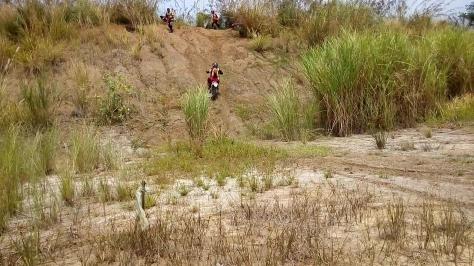 ngobrolmotorcross saat di Tanjakan Gekho