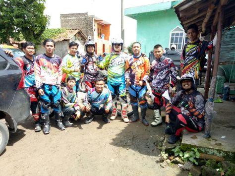 Kotak Karawang dan Serigala Cross Jakarta dengan leader dari offroader Subang