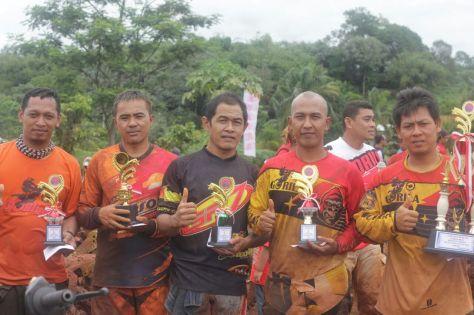Para pemenang Gorila Member Enduro (ki-Ka Wanwer, Bayu, Mono, Obot, Romodoso)