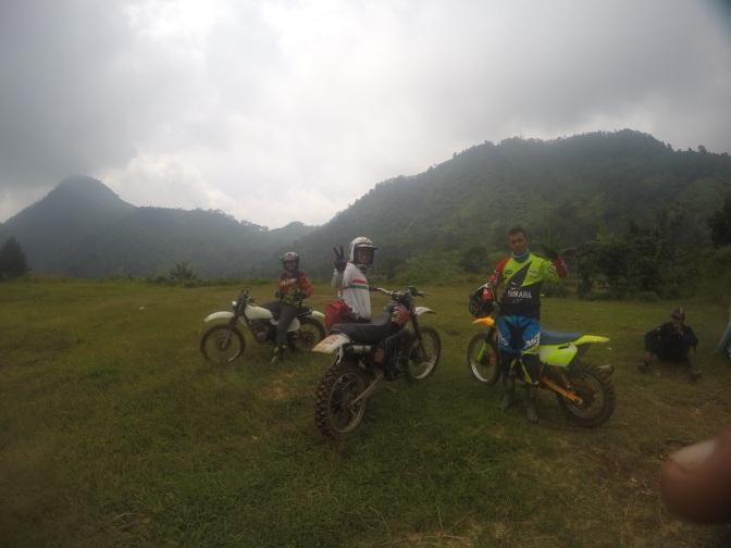 Syahdunya Jalur Pembunuh Naga Mulyasari-Babakan Banten-Cisadon